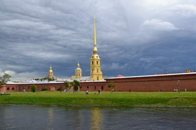 Peter and Paul Fortress walking tour