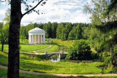 Tour to Pushkin & Pavlovsk