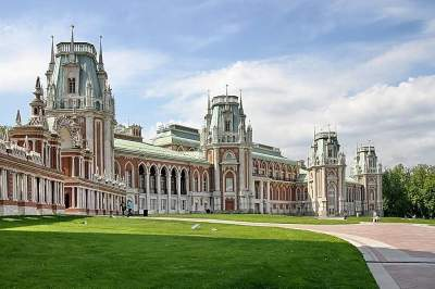 Tour to Tsaritsyno with transport