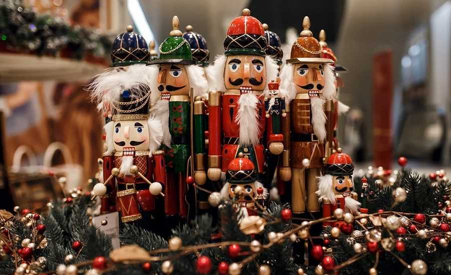 St Petersburg Christmas Parade 2020 The Best Christmas markets in St. Petersburg for all ages and