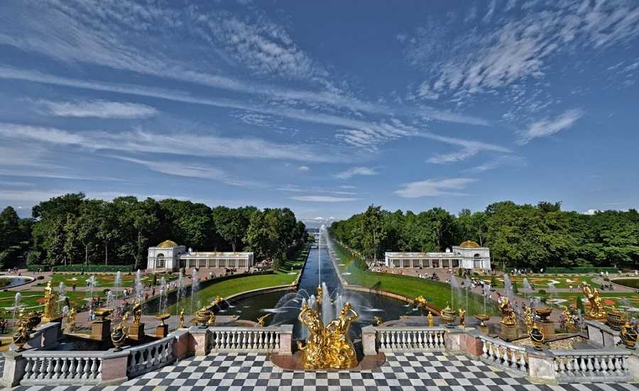 5 Russian Palaces Not to Miss-Peterhof
